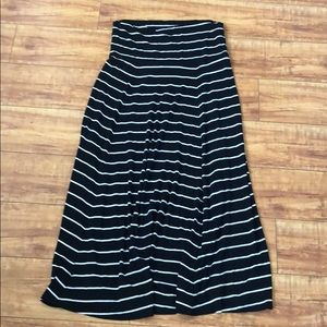 Gap black and white maxi skirt
